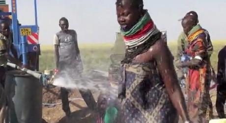 Descubren grandes reservas de agua en zona desértica de Kenia