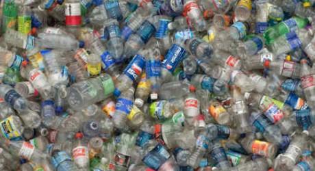 San Francisco prohíbe venta de agua en botellas de plástico