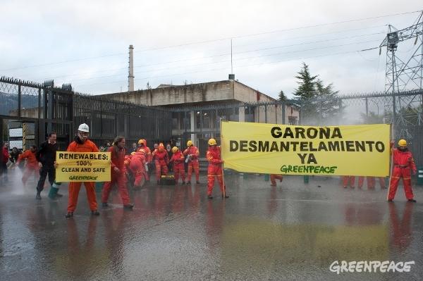Greenpeace pide cierre de las centrales nucleares antiguas
