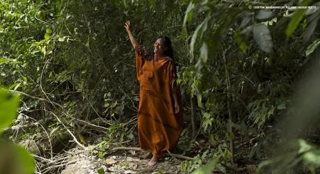 Premio ambientalista distingue a indígena peruana que frenó dos hidroeléctricas