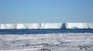 Hielos árticos disminuyen, mientras aumentan los antárticos
